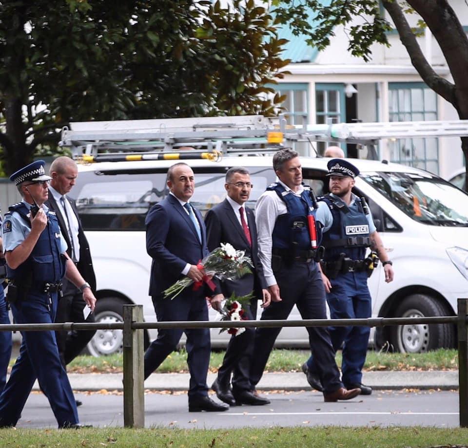 თურქეთის დელეგაციამ ახალ ზელანდიაში მეჩეთებზე თავდასხმის დროს დაღუპულთა ხსოვნას პატივი მიაგო