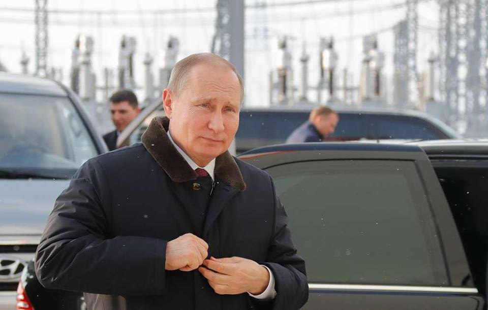 Президент России прибыл в аннексированный Крым