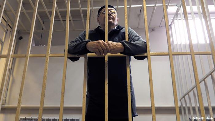 ჩეჩნეთის სასამართლომ უფლებადამცველ ოიუბ ტიტიევს ნარკოტიკის შენახვის ბრალდებით ოთხი წლით თავისუფლების აღკვეთა მიუსაჯა