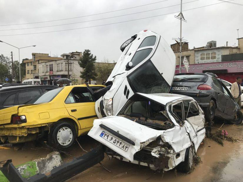 İranda sel nəticəsində 12 insan həlak oldu