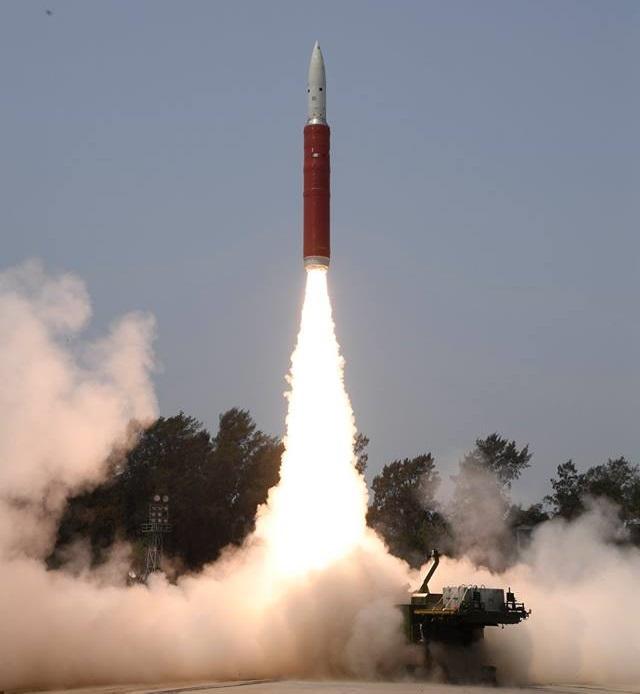 ინდოეთმა ორბიტაზე მოძრავი საკუთარი თანამგზავრი ჩამოაგდო - აზიური ქვეყნის კოსმოსური ამბიციები