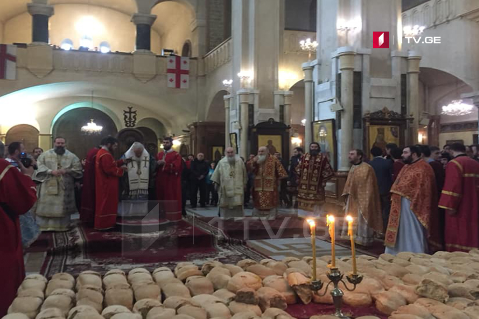 Ilia II: Zviad Gamsakhurdia's cross is heavy; by the grace of God he did a lot good things for our nation