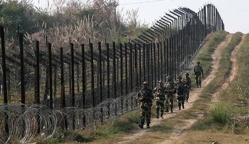 ინდოეთის არმიის მიერ განხორციელებულ დაბომბვას სამი პაკისტანელი ჯარისკაცი ემსხვერპლა