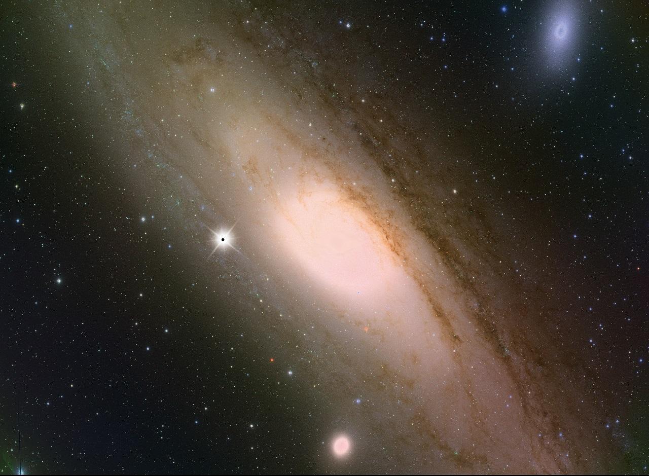 ასტრონომებმა უარყვეს ჰოკინგის თეორია ბნელი მატერიის შესახებ
