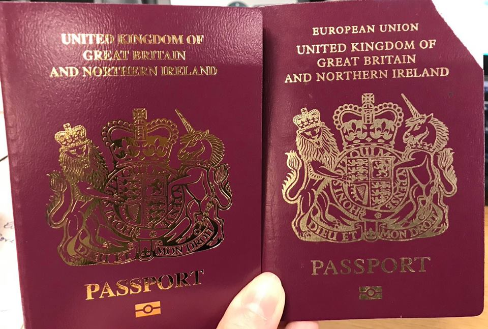 """ბრიტანეთში დაიწყეს პასპორტების გაცემა, რომელთაც """"ევროკავშირი"""" აღარ აწერია"""
