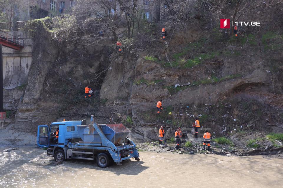 Тбилисская мэрия призывает население не бросать мусор в речку Вере
