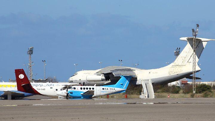 ტრიპოლის აეროპორტზე გენერალ ხალიფა ჰაფთარის მეთაურობით მოქმედმა ამბოხებულებმა ავიაიერიში მიიტანეს