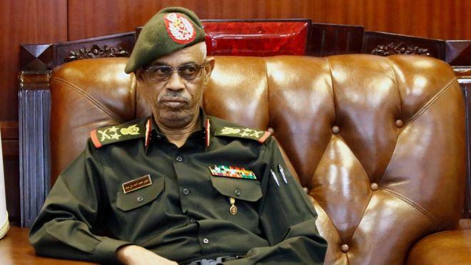სუდანში სამხედრო გადატრიალების ლიდერი თანამდებობიდან გადადგა