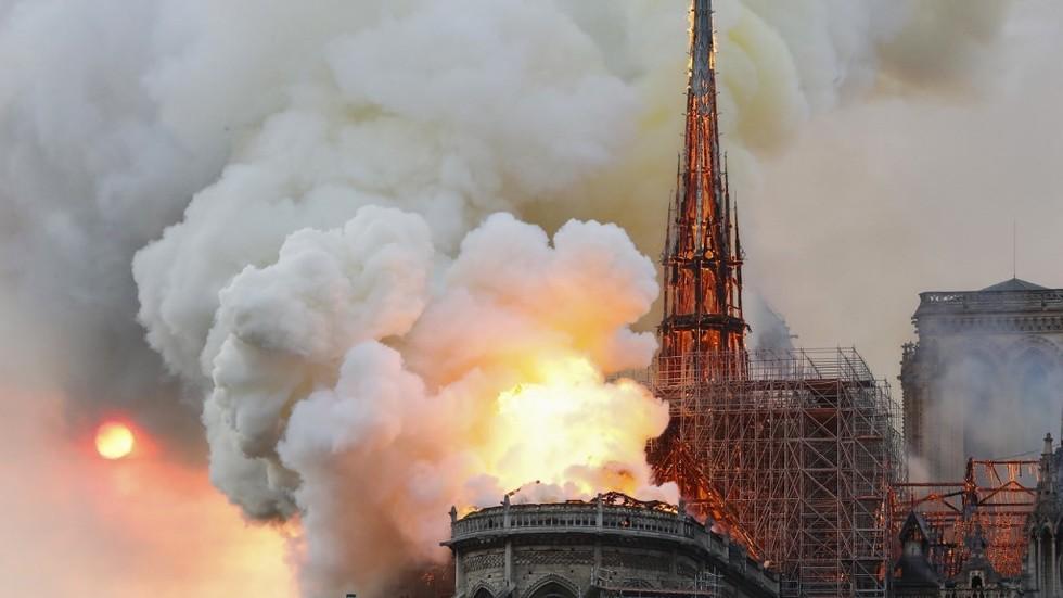 პარიზის ღვთისმშობლის ტაძრის წარმომადგენლები აცხადებენ, რომ ხანძარი ტაძარში არსებულ რელიკვიებსარ შეხებია