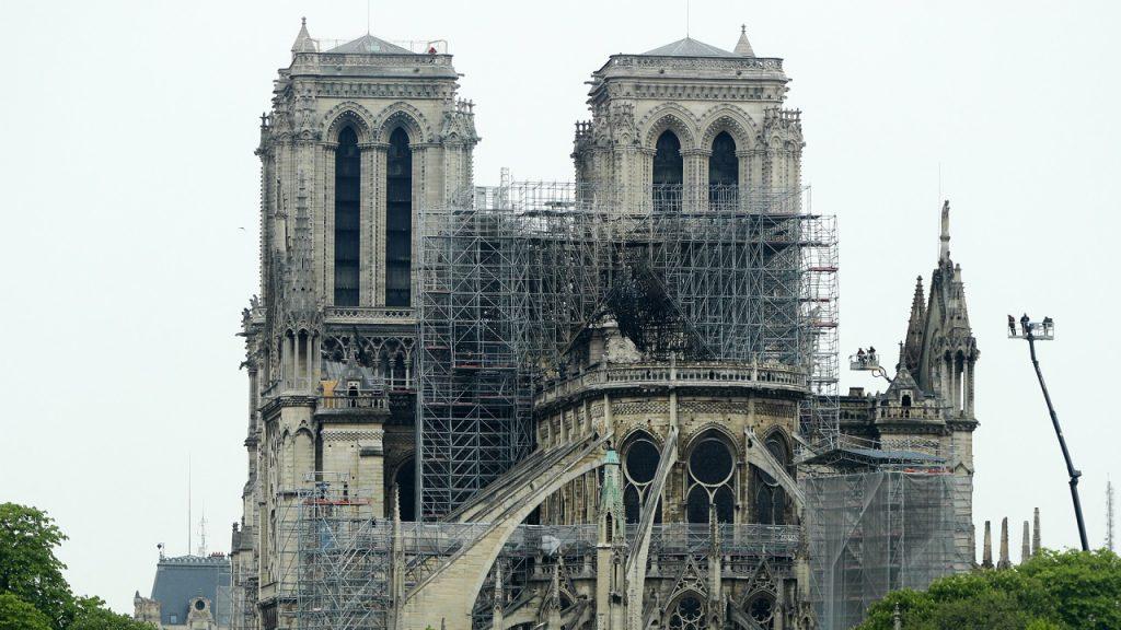 პარიზის ღვთისმშობლის ტაძარი - საფრანგეთის გულის ქარცეცხლიანი ისტორია და ნაკლებად ცნობილი ფაქტები