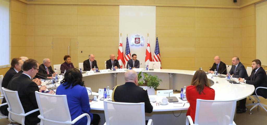 Премьер-министр встретился с делегацией Палаты представителей Конгресса США