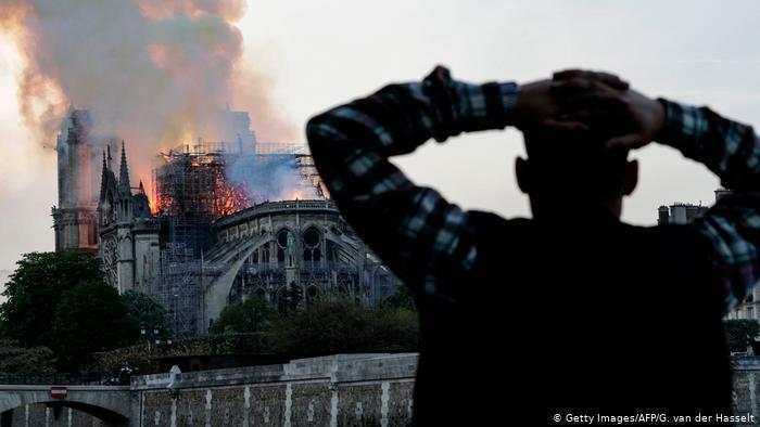 საფრანგეთის ხელისუფლებაში აცხადებენ, რომპარიზის ღვთისმშობლის ტაძარში მეხანძრეები დაგვიანებით გამოიძახეს