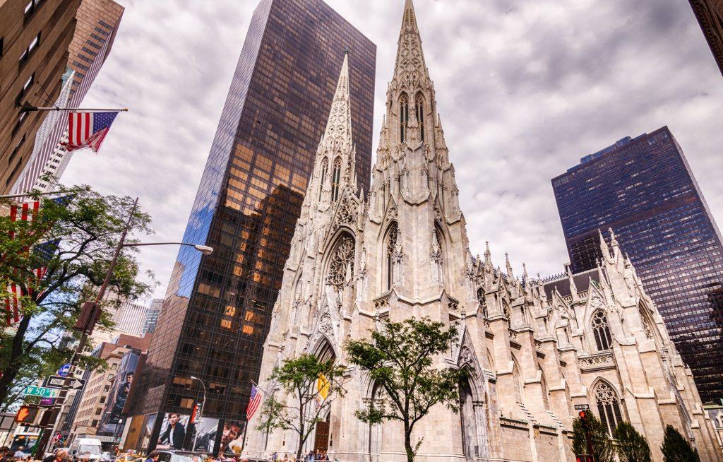 ნიუ-იორკში მამაკაცმა წმინდა პატრიკის საკათედრო ტაძრის დაწვა სცადა