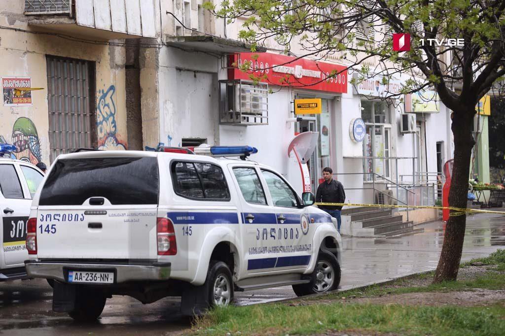 """По информации очевидцев, на один из филиалов """"Либерти банка"""" напали трое человек в масках"""