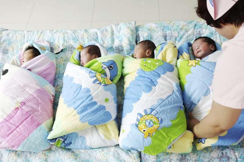 """""""ბიბისი"""" - კვლევის მიხედვით, სელექციური აბორტის გამო, მსოფლიოში 23 მილიონი გოგონა არ დაიბადა"""