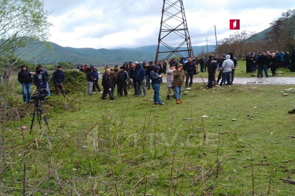 Ситуация в Панкисском ущелье разрядилась, часть участников акции протеста поехала на переговоры в Телави