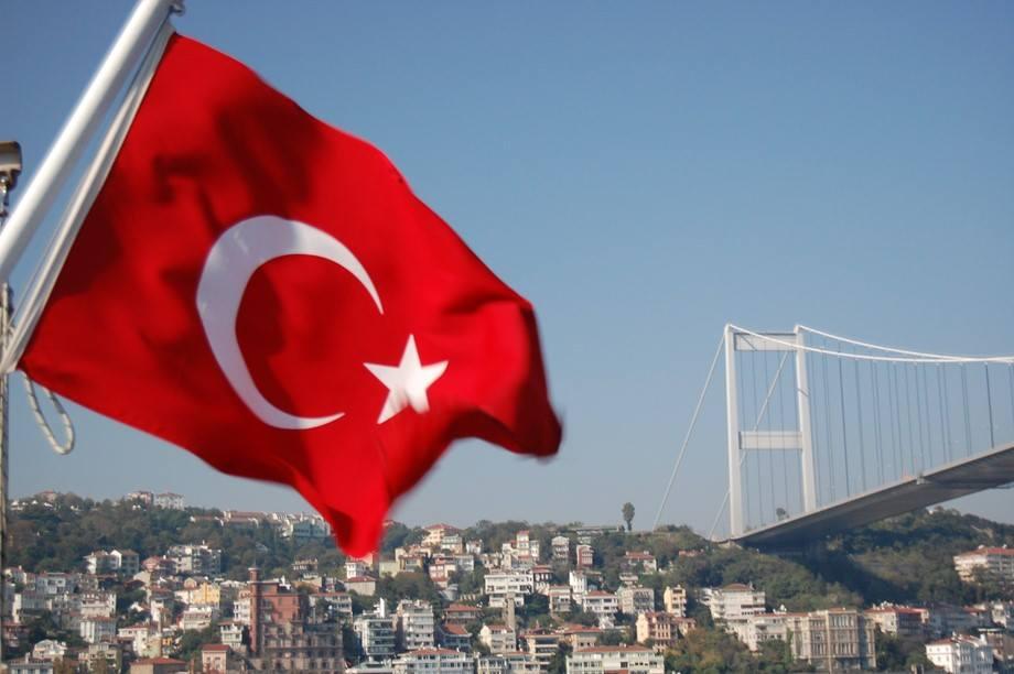 Власти Турции выдали ордер на задержание 210 военнослужащих по обвинению в связях с Фейтхуллахом Гюленом