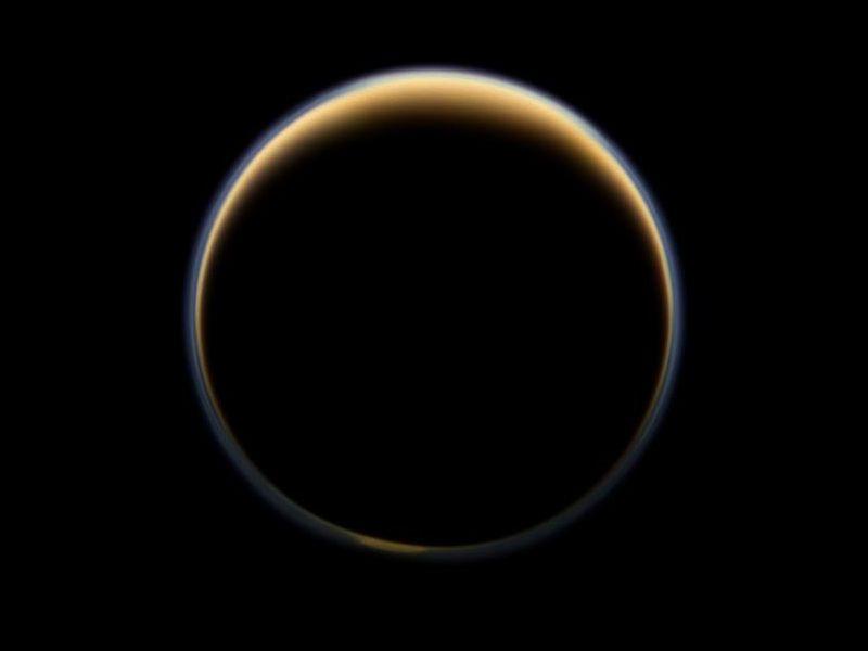 სატურნის მთვარე ტიტანზე ყინულის უზარმაზარი, იდუმალი დერეფანი აღმოაჩინეს