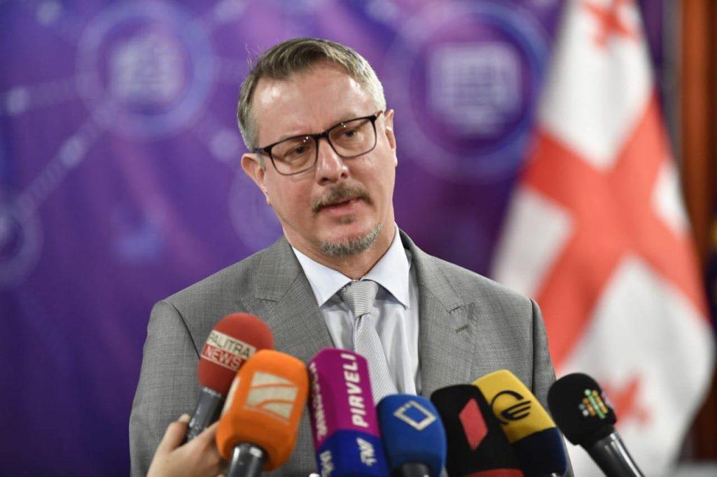 Карл Харцель - Учения в оккупированном регионе Абхазии увеличивают напряженность и противоречат обязательствам России