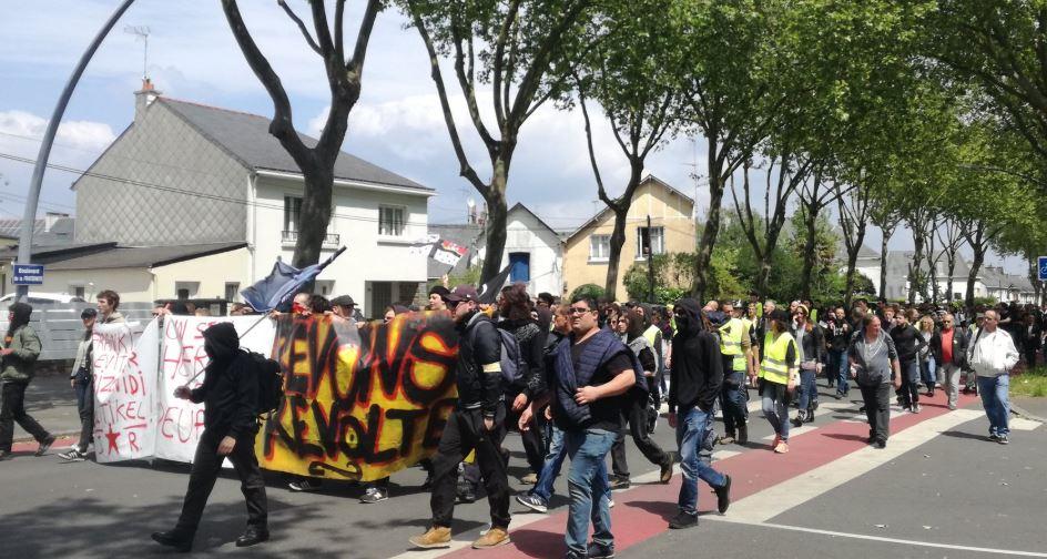 """საფრანგეთში """"ყვითელჟილეტიანთა"""" მორიგ მანიფესტაციაში 15 ათასზე მეტი ადამიანი მონაწილეობდა"""