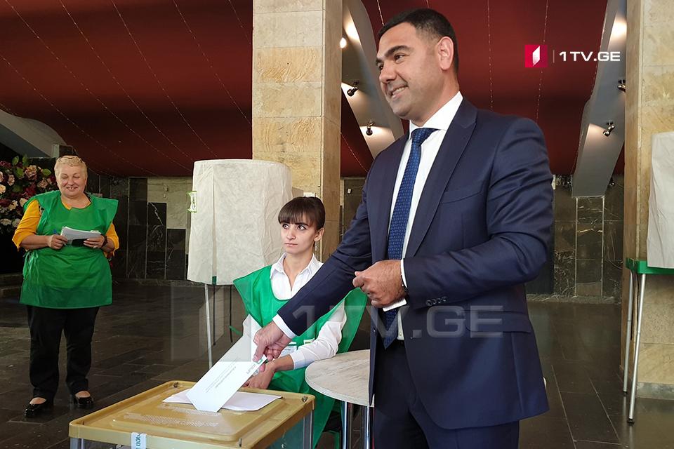 """აკმამედ იმამკულიევი - """"ქართულმა ოცნებამ"""" მარნეულის მუნიციპალიტეტში დამარხა დემოკრატია"""