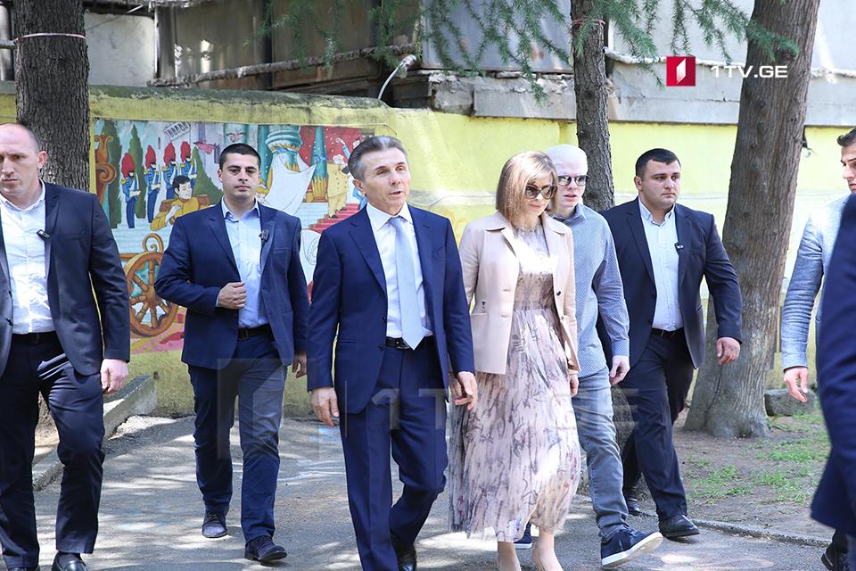 Бидзина Иванишвили - Вероятность второго тура существует в двух округах, хотя наши кандидаты имеют там большое преимущество