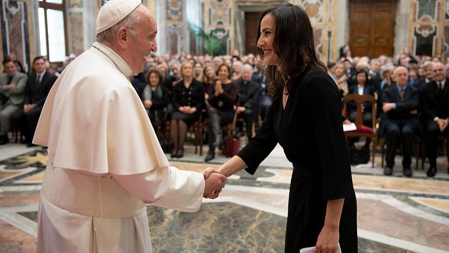 Папа Римский - Журналисты не должны распространять фальшивые новости