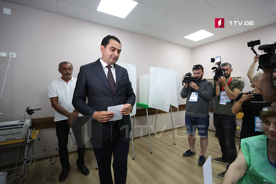 """""""ქართული ოცნების"""" მერობის კანდიდატ ზაურდარგალის შტაბში აცხადებენ, რომ მარნეულშიდიდი უპირატესობით ლიდერობს"""