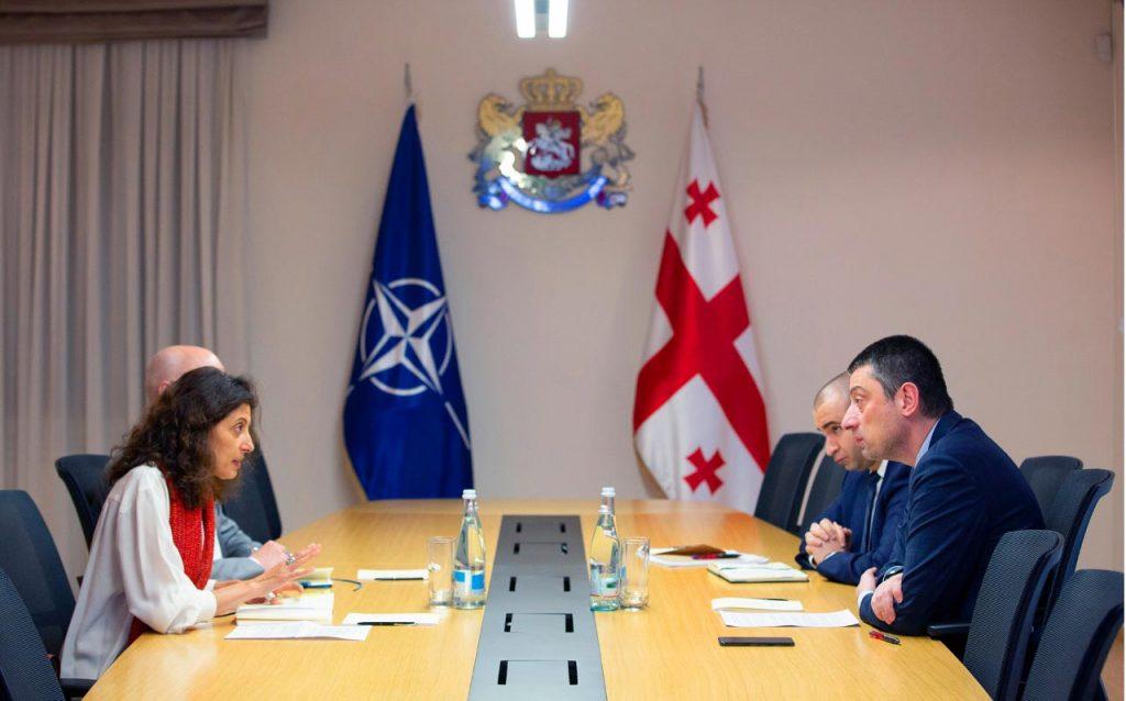 Георгий Гахария встретился с руководителем Офиса связи НАТО