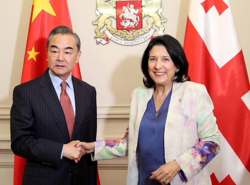 Саломе Зурабишвили встретилась с Ван И