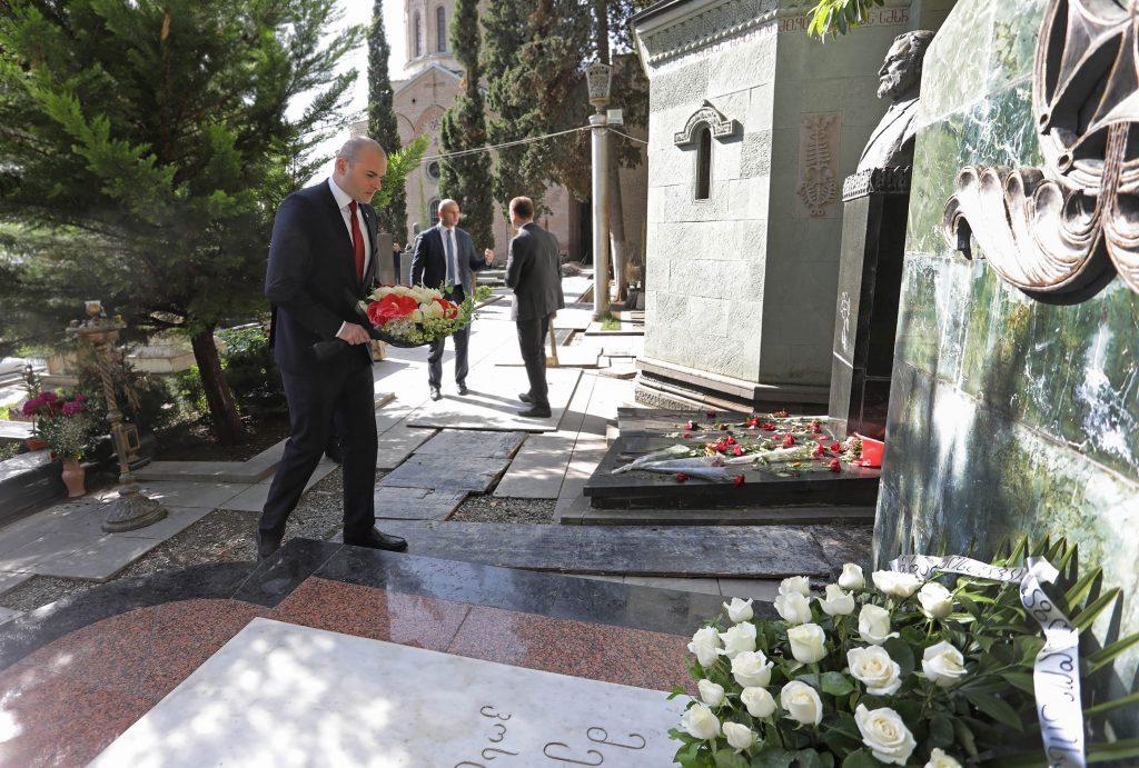 Мамука Бахтадзе - Мераб Костава является примером, как каждый гражданин Грузии должен любить родину