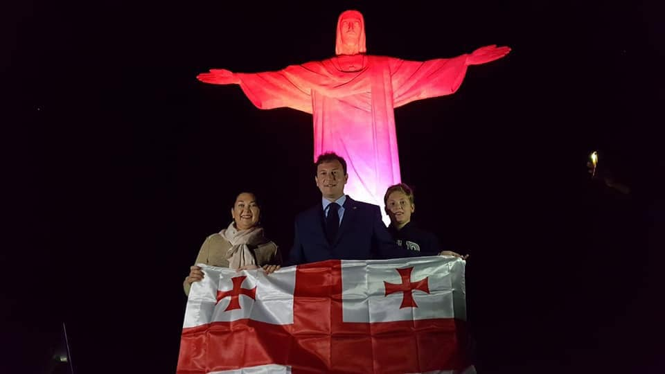 Статую Христа-Искупителя в Рио-де-Жанейро подсветили цветами флага Грузии