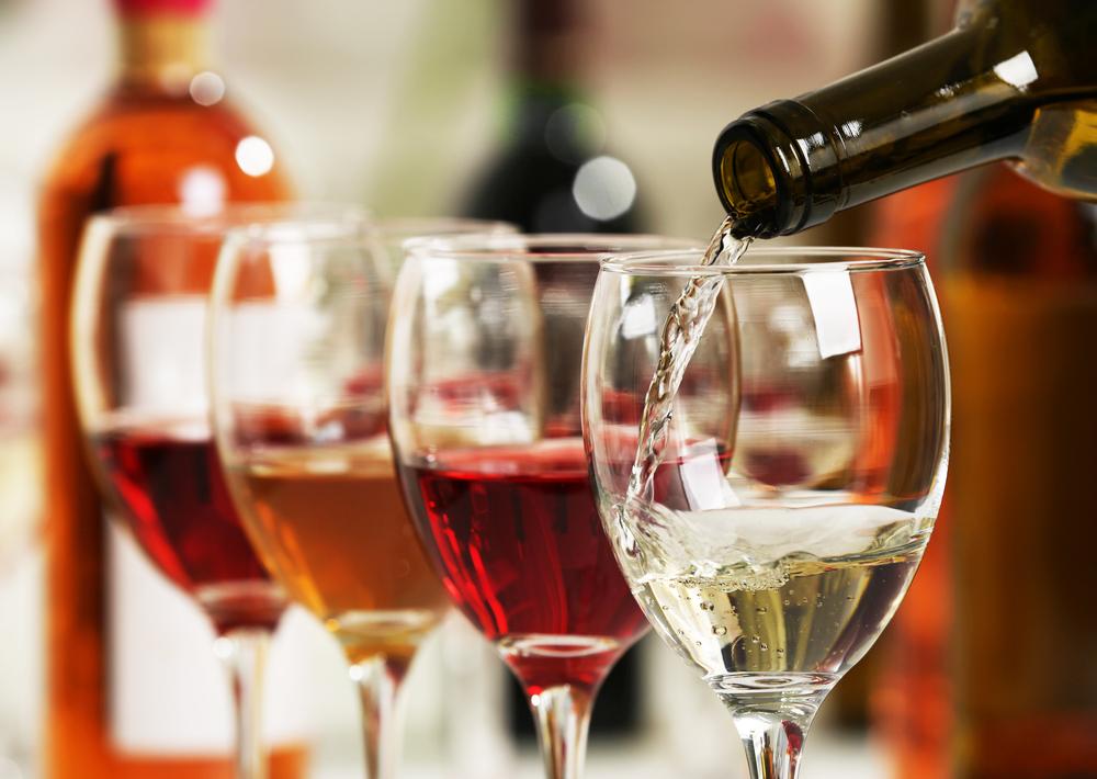 რუსეთის სახელმწიფო უწყებებს უცხოური ღვინის შეძენა აეკრძალათ