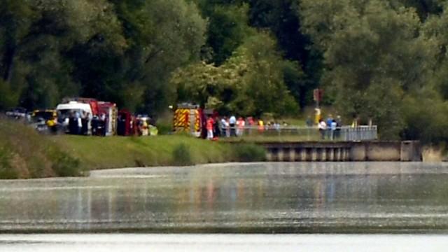 На границе Германии и Франции на реке Рейн перевернулась лодка, три человека погибли