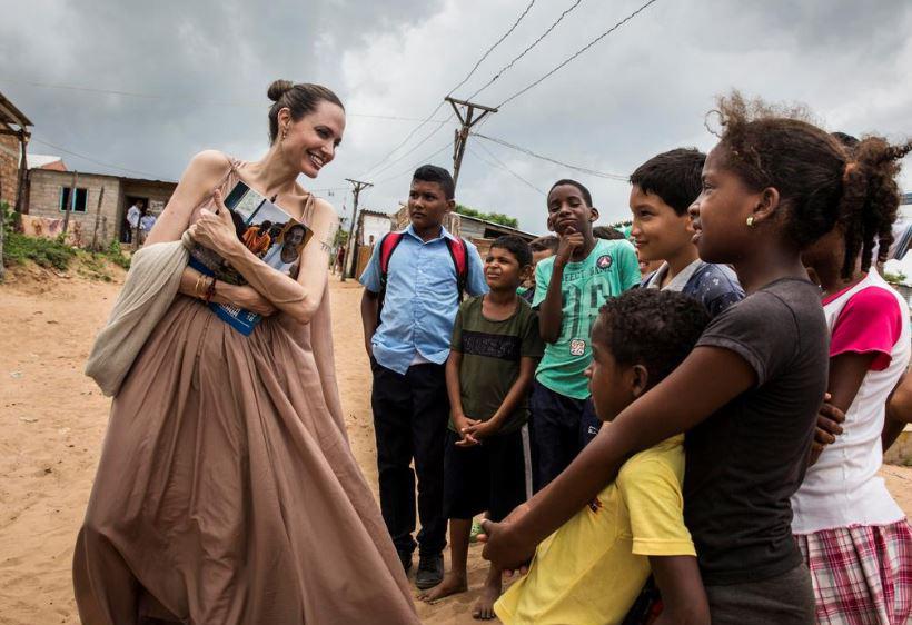ანჯელინა ჯოლი კოლუმბიის საზღვარზე ჩავიდა და მსოფლიოს მოუწოდა, ვენესუელელ ბავშვებს დაეხმარონ