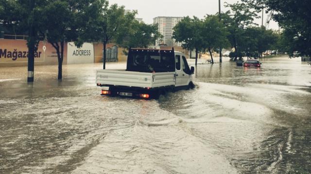 Անկարայում ջրհեղեղի հետևանքով զոհվել է երեք մարդ