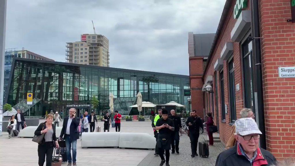 შვედეთის პოლიციამ მალმეს სარკინიგზო სადგურზე მამაკაცს ესროლა, რომელიც ბომბის აფეთქებით იმუქრებოდა