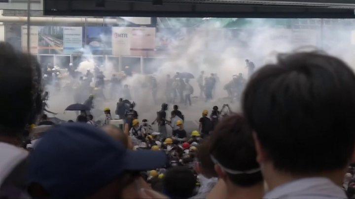 ჰონგ-კონგში პოლიციამ დემონსტრანტების წინააღმდეგ ძალა კიდევ ერთხელ გამოიყენა