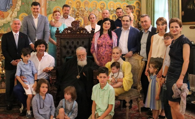 ილია მეორემ კახა კალაძის უმცროსი შვილები მონათლა და მისი ოჯახი დალოცა