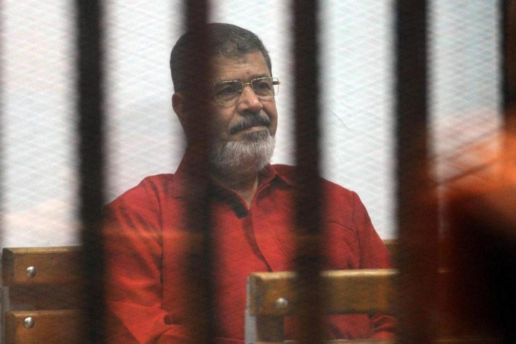 ეგვიპტის ყოფილი პრეზიდენტი მოჰამედ მურსი სასამართლოს დარბაზში, სხდომის დროს გარდაიცვალა