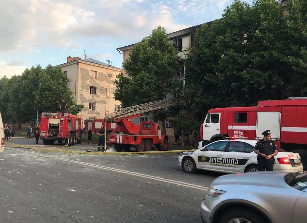 Служба по управлению чрезвычайными ситуациями распространяет официальную информацию о взрыве и пожаре на улице Автомшенебели в Кутаиси