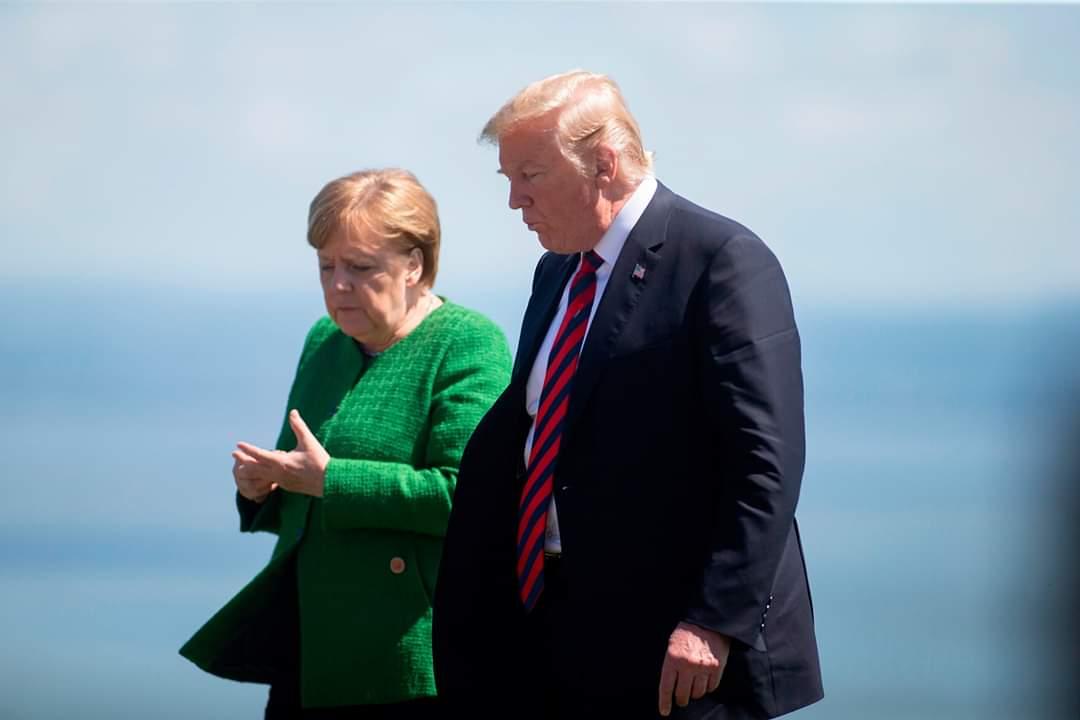 троих никак фото трамп меркель встреча будние дни кафе