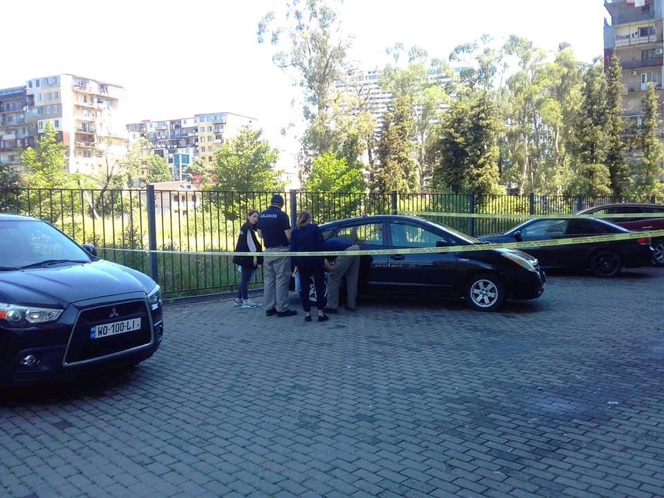 Четыре машины обокрали на улице Инасаридзе в Батуми