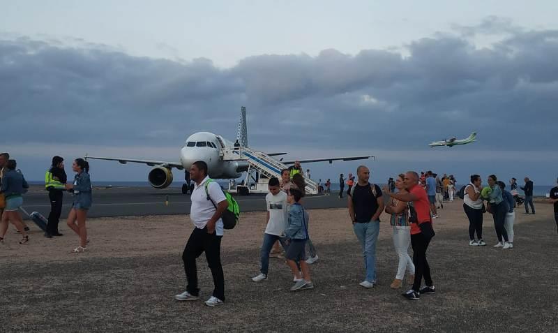 კანარის კუნძულებზე თვითმფრინავიდან მოქალაქეების ევაკუაცია განხორციელდა