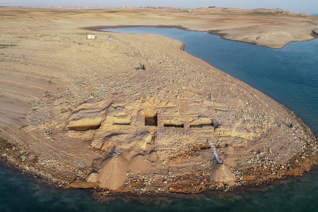 მდინარე ტიგროსში უძველესი, იდუმალი იმპერიის სასახლის ნანგრევები აღმოაჩინეს