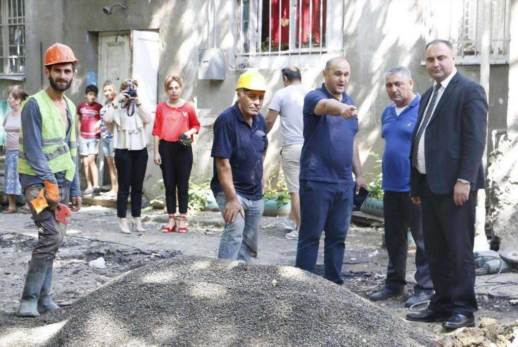 თბილისში, ირემაშვილის ქუჩაზე დევნილთა საცხოვრებელს რეაბილიტაცია უტარდება