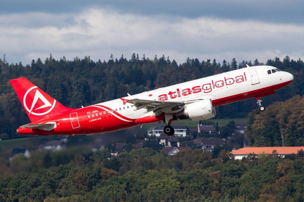 """ავიაკომპანია """"ატლასგლობალი"""" თბილისის მიმართულებით ფრენებს 16 ივლისიდან განაახლებს"""
