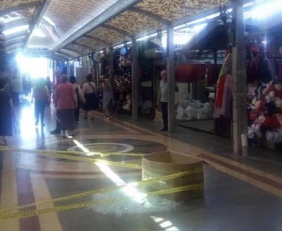 Из-за обрушения стеклянной крыши на одном из рынков Кутаиси пострадали три человека