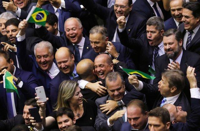ბრაზილიაში საპენსიო რეფორმის პროექტის პირველი მოსმენით დამტკიცებას საპროტესტო აქცია მოჰყვა