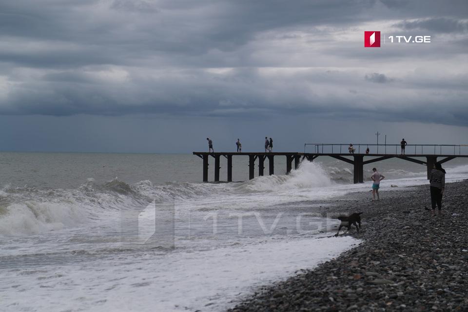 შავი ზღვის სანაპიროზე 4-5-ბალიანი შტორმია მოსალოდნელი